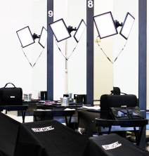 basic light kit for salons or makeup application stations