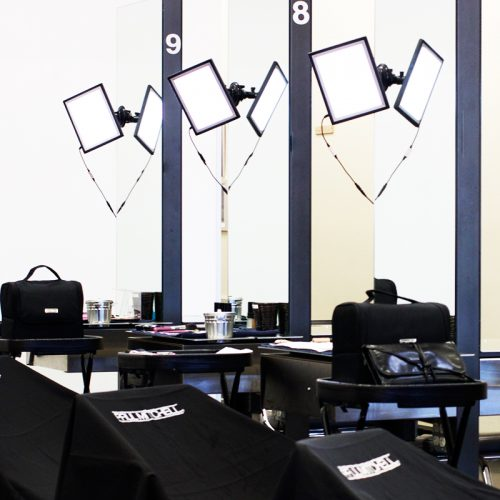 basic light kit for salons or makeup application stations